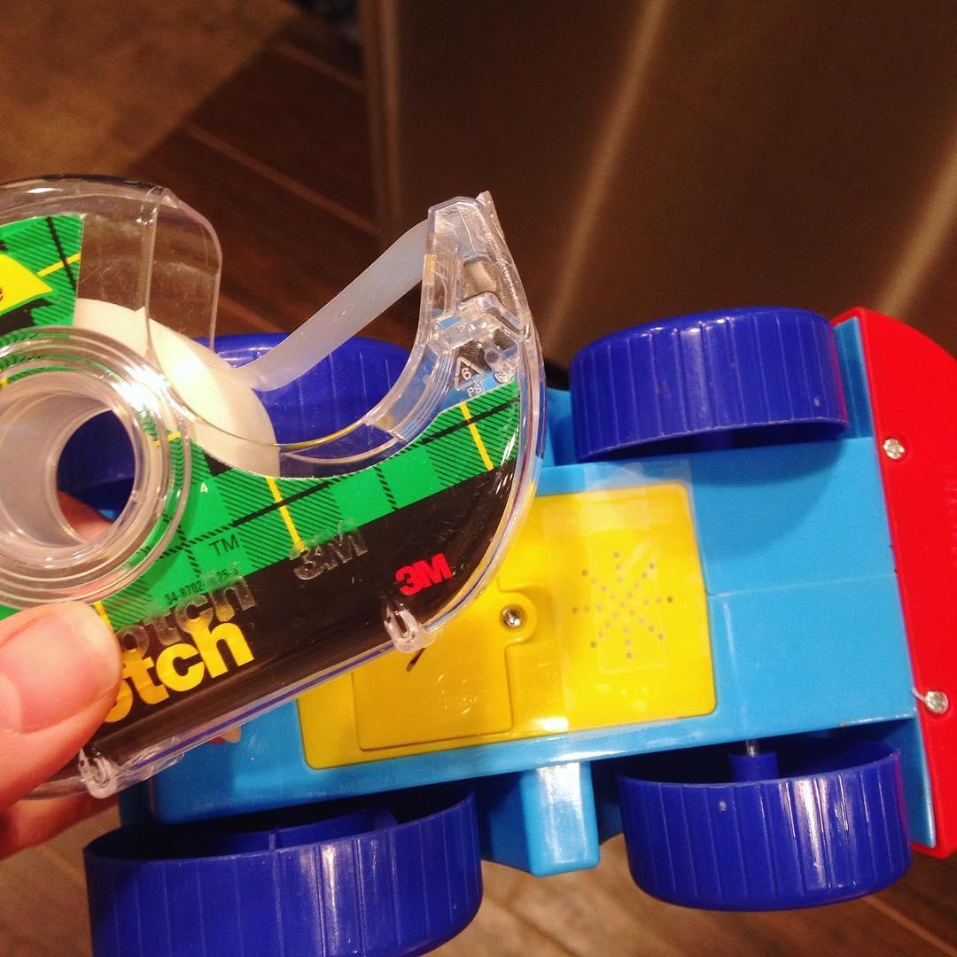 20個有小孩後「從上帝得到了創意果實」的超狂爸媽育兒術 一個盒子讓小孩去旅行時不再吵鬧!