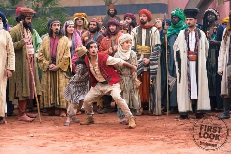 真人版《阿拉丁》釋出劇照「角色造型曝光」 神燈精靈超出戲...竟然不是藍色的!