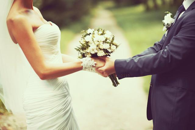 找老公前任當伴娘...蠢夫還以為「大家都是好朋友」 老司機秒解答:這正宮手段真的狠!