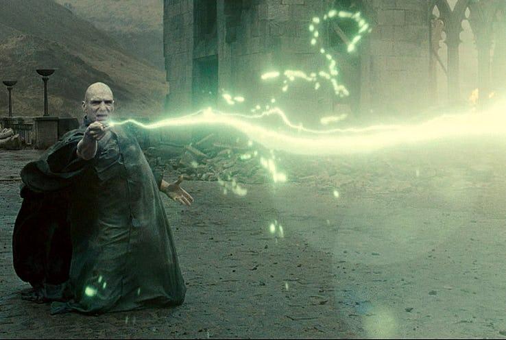 哈利波特「額頭閃電疤痕」的10個秘密 體內的佛地魔靈魂在崩潰想家!