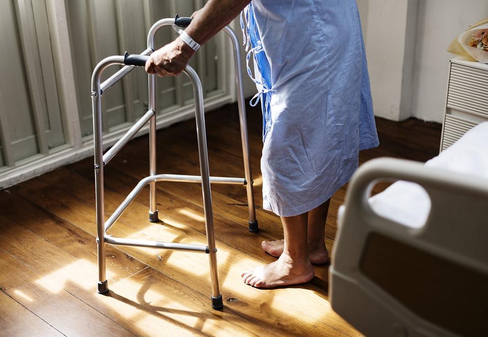 5個醫護人員分享「醫院的離奇詭事」 明明心電圖變一條線...45分鐘後她突然坐起來!