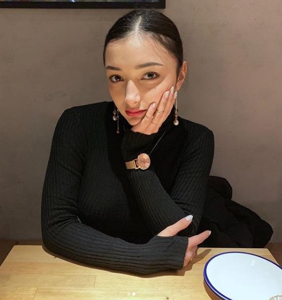 日本混羅馬尼亞「根本人類基因學極品」 17歲姐妹花性感+萌妹合體...看一眼直接被簽下