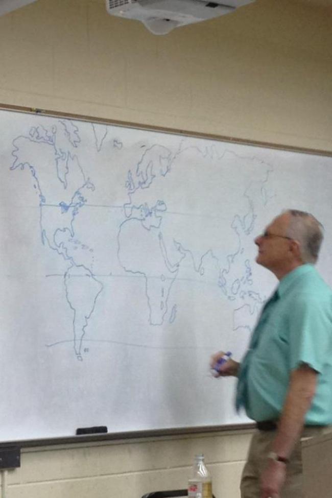 19個擁有「學生正確使用手冊」的聰明老師 教授把計算機釘上磚頭...誰叫你們借了都不還!