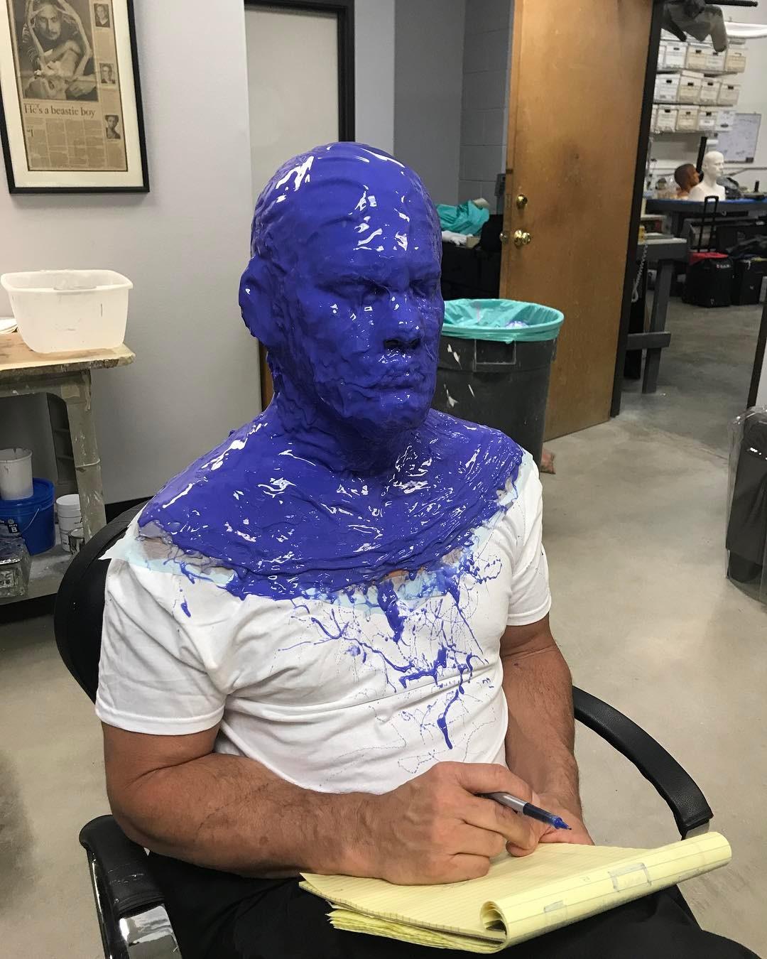 20張「演員被特效技術惡整」的電影幕後照片 薩諾斯的臉上直接佈滿超密集的「傳感器」!