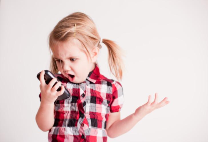 9個「看完直接想要把手機換成公共電話」的沉迷手機症候群 你喊人生不快樂已經是最末期!