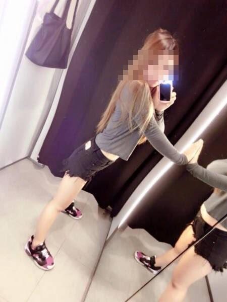 辣妹秀出性感自拍照卻害網友胃痛 鏡中「扭曲空間的真面目」太驚悚...女人真的很會騙!