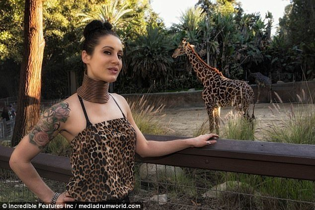 她愛長頸鹿愛到癡迷 決心開啟「超瘋狂計劃」把自己變成同類!