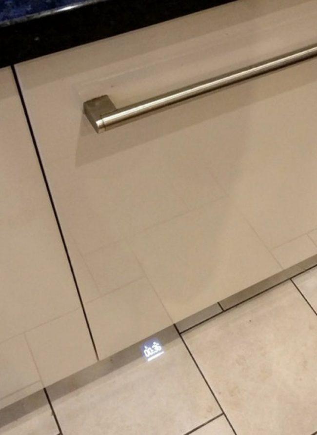 28個「台灣應該馬上引進」的超便利發明 搭電梯也能知道外面的天氣!