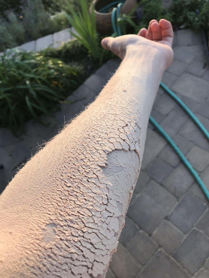 18張「完全沒有用PS修過」的神奇照片 低頭走路卻發現腳下是「龍的皮膚」!