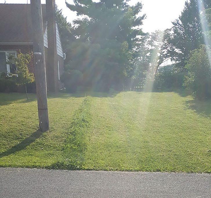 19位證明「遇到好鄰居比找到另一半還難」的極品鄰居 後院被雷神槌砰出一個洞!