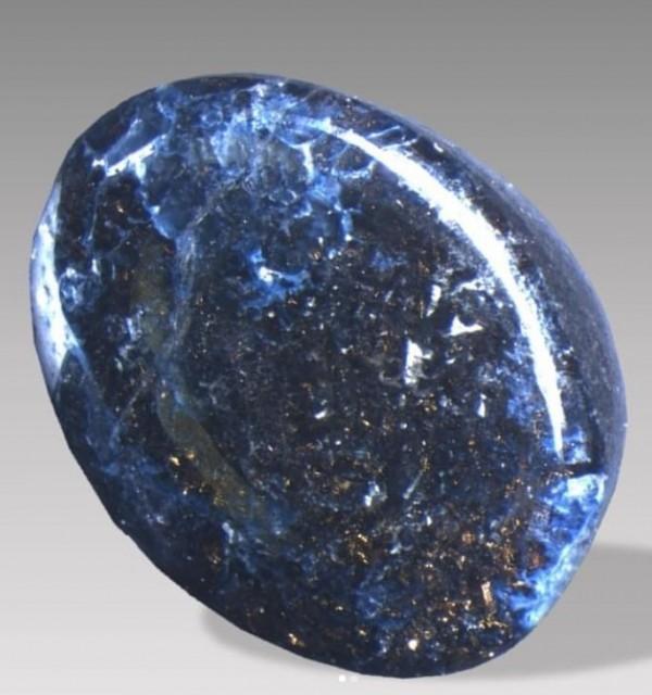 鑽石沒有恆久遠了!以色列挖出「超美宇宙寶石」 透光下直接釋放整個銀河系...內含物只有太空隕石才有!