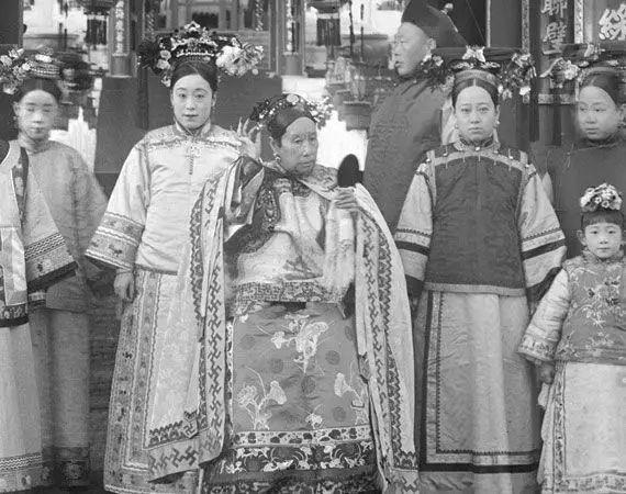 12張證明「慈禧太后天生就有皇帝氣場」的罕見老照片 卻為拍最後一張賠上命!