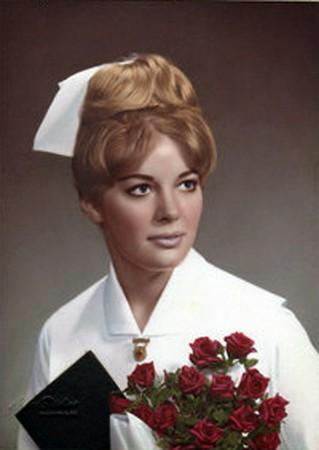 正妹護士7年來慘遭「將你變成肉」恐怖威脅 直到冰冷脖子被纏上絲襪...警方驚:我們一直都弄錯受害者了