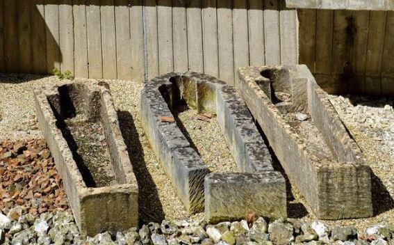 只要一封棺「軀體就會自動移位」 295年蔡斯家族墓園「比沒受詛咒」還恐怖...盜墓者列黑名單