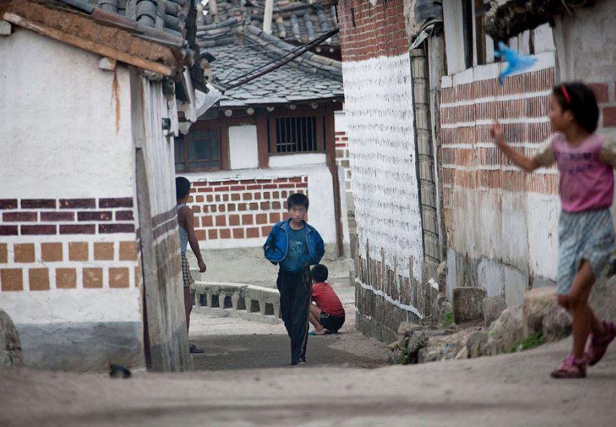 遭終生禁入境!攝影師冒生命危險「6次深入北韓」 恐怖極權真貌曝光