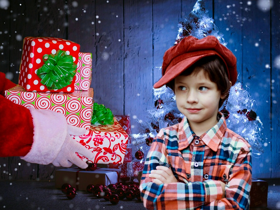 孝順兒買Switch寄回家 老媽卻多要錢「要他為弟弟著想」:那台是聖誕老人送的,關你屁事?