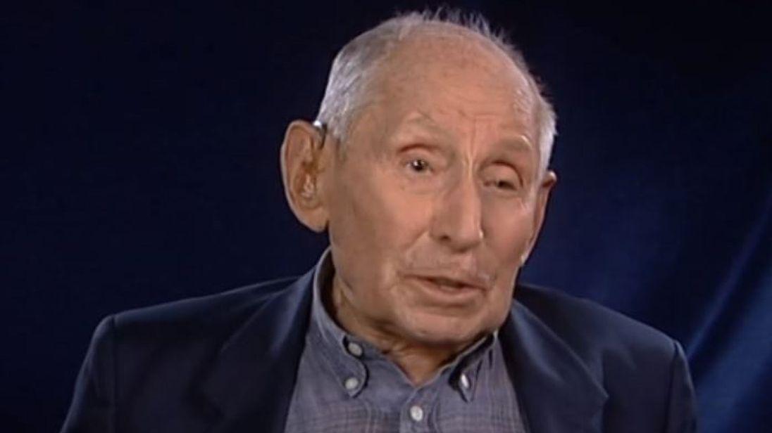 他是超純猶太人...「金頭髮+藍眼睛」逃過一劫 最後「用一顆球」救108位猶太小孩!