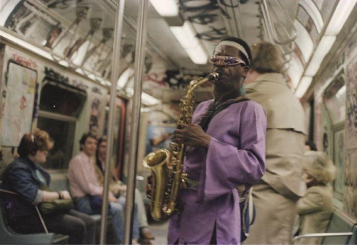 25張「紀錄純真年代和最真實生活」的紐約地鐵40年改變 全是傻瓜相機的隨拍!