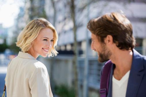 一張照片證明「女生看到帥哥的反應都是一樣的」 網友:跟宅男有夠像!