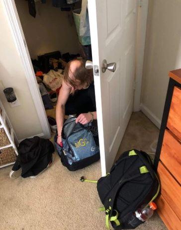 女大生每天回家東西都離奇消失!聽到聲響打開衣櫃一看才發現...「她根本不是一個人住」