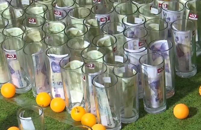 跟媽媽借3660元「買玻璃杯+乒乓球」 超狂國二弟8天進帳7.7萬!