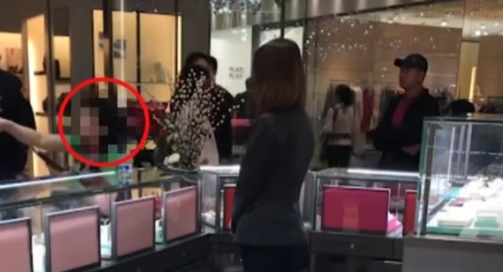 陸客買珍珠項鍊「爽完就退貨」遭拒 瘋狂飆罵櫃姐被警察一句嗆翻:這是台灣!