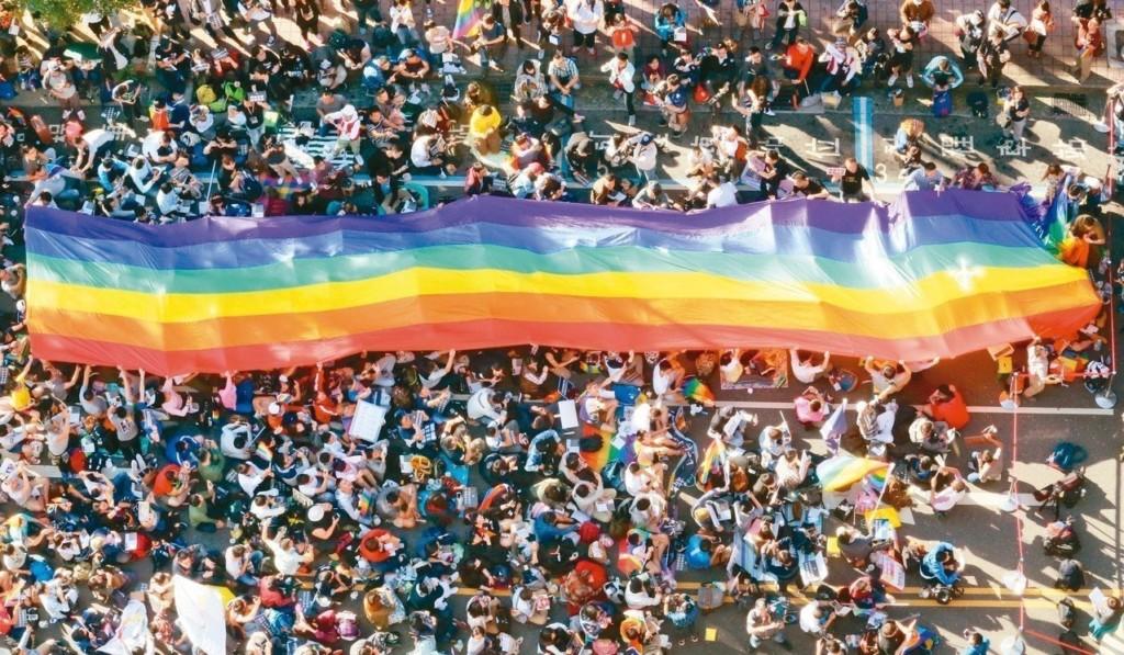 彩虹專法出爐確定「可結婚、繼承、收養」 蔡英文:做最有智慧的決定!