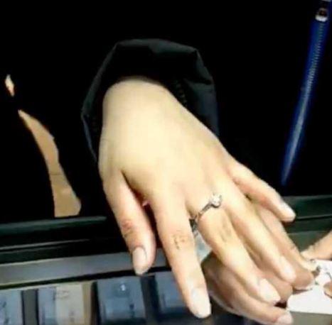 10歲兒想拿壓歲錢買戒指送媽媽 她貪心「故意挑23萬的名牌」卻讓網友超感動