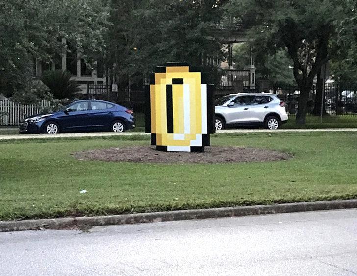 29張讓你「對世界充滿問號」的意外發現 路邊出現巨型馬力歐金幣!
