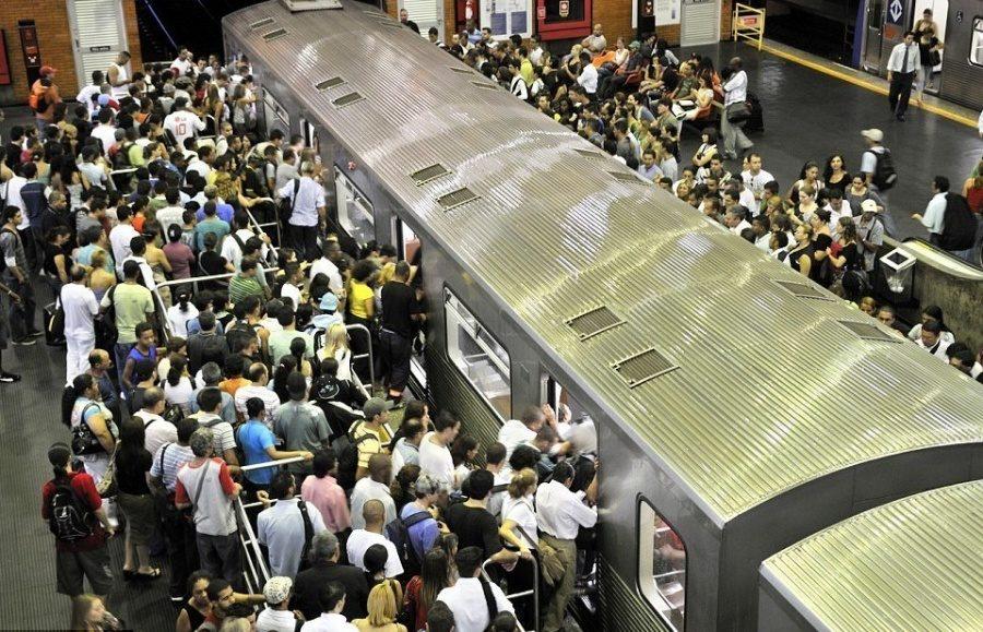 12個「最可怕上下班」的通勤畫面 臺灣跟英國比其實太幸福