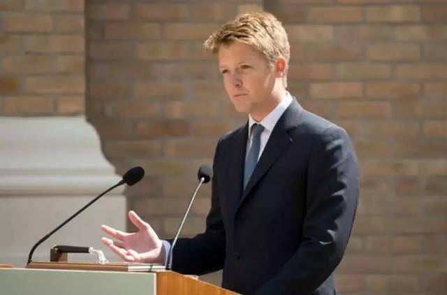 28歲帥哥不是王室「英國女王卻住在他家」 超誇張「身價」難怪全國女生都想嫁他!