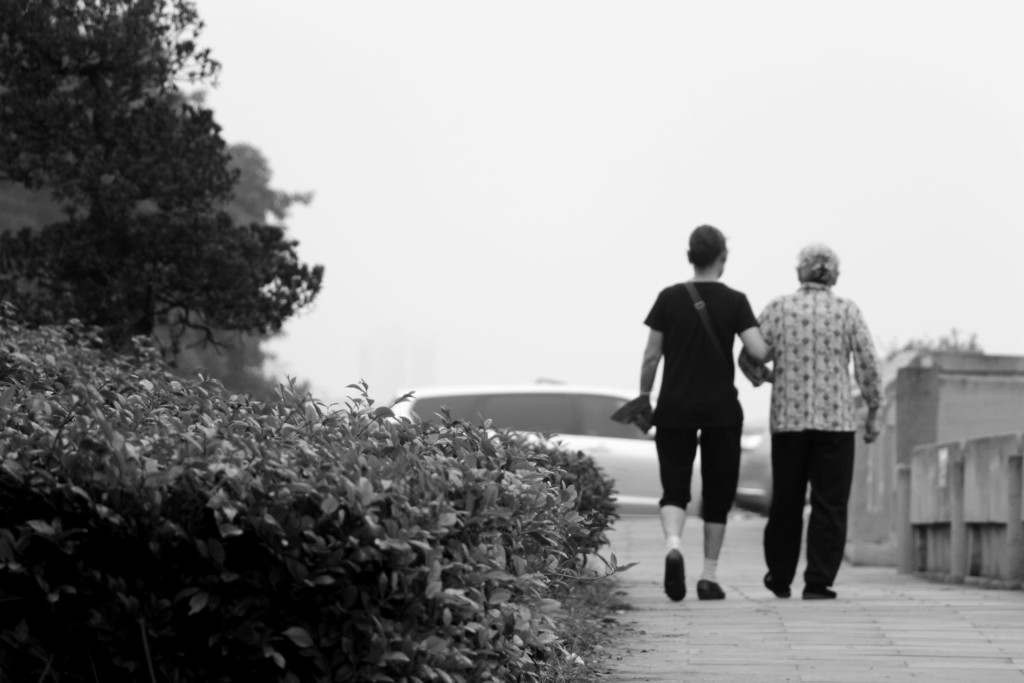 66歲媽扛「4000元蔬菜」台北下台南...兒嫌載她浪費油錢 媳婦更嗆:妳全身細菌很髒