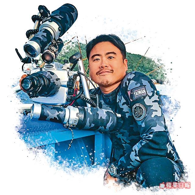 亞洲第一位!台灣攝影師苦待冰冷河6天 拍下完美紅鮭拿「世界水中攝影首獎」