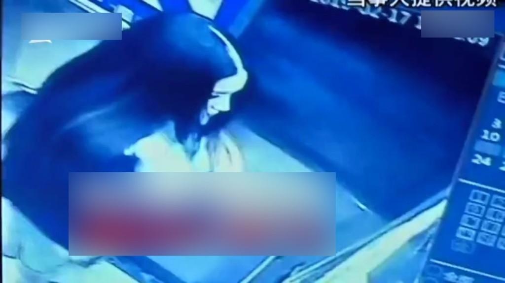 長髮女住飯店竟「一夜禿」!她控服務生「半夜溜進房下手」 監視器畫面卻讓人發毛