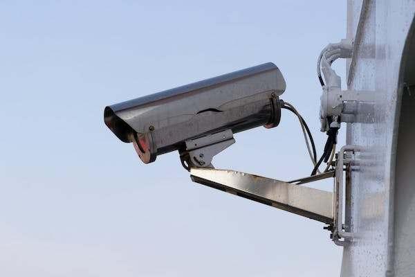 15個證明「監視器畫面就是最好的鬼片來源」的超詭異經歷
