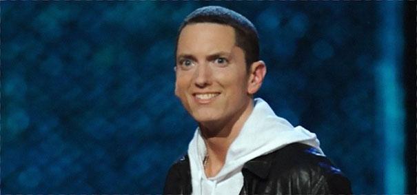 15張網友PS神技術讓撲克臉阿姆變「鄰家大哥哥」 但看到最後有點毛毛的...