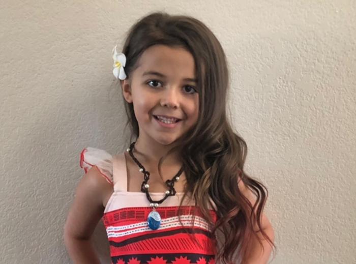 6歲女孩「沒事扮成老太太」上幼稚園引轟動 卸妝後超清純根本「亞莉安娜翻版」