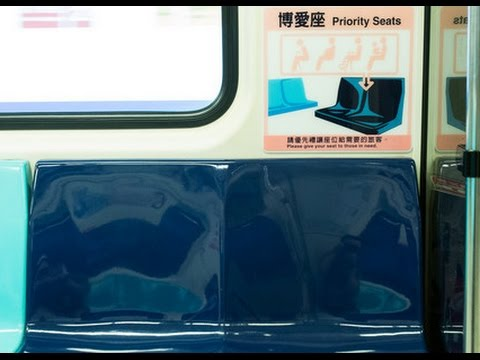 學生急忙讓座...大叔仍不留情痛罵「不是讓你坐的」 司機不忍心「兩句話神回」讓乘客讚爆!