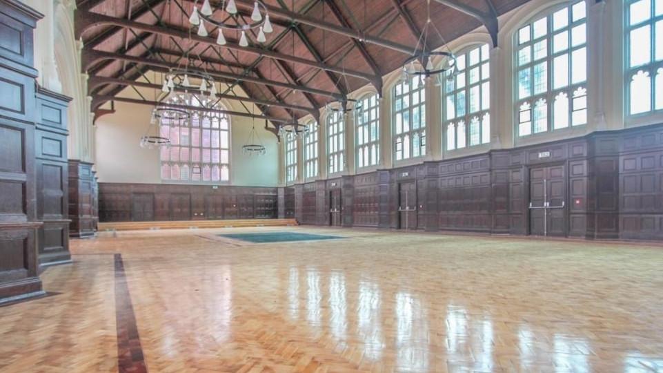 霍格華玆大廳改成「魔法感公寓」開放入住!「裝潢比電影更美」但價錢公開讓網傻眼:耍我?