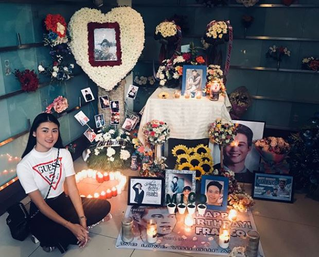 一年前失去了男友!正妹仍每天在IG分享「超甜閃照」原因惹哭網友:是最美的愛情