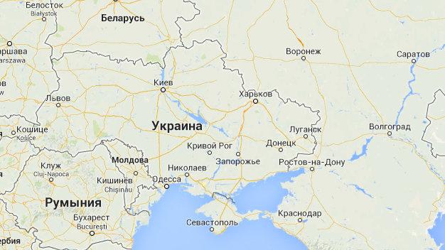 他在google地圖搜「俄羅斯廢棄海灘」出現一對母女 放大看卻嚇傻:是紅衣小女孩!