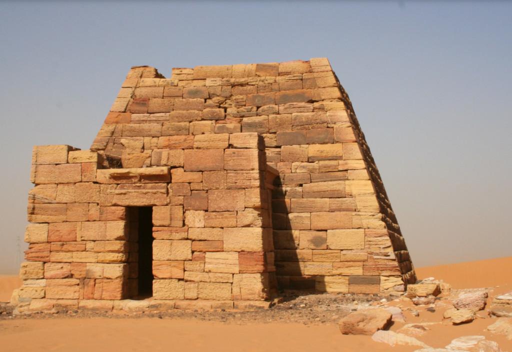 最多金字塔的國家「才不是埃及」 考古學家發現「這個國家」足足多了100座!