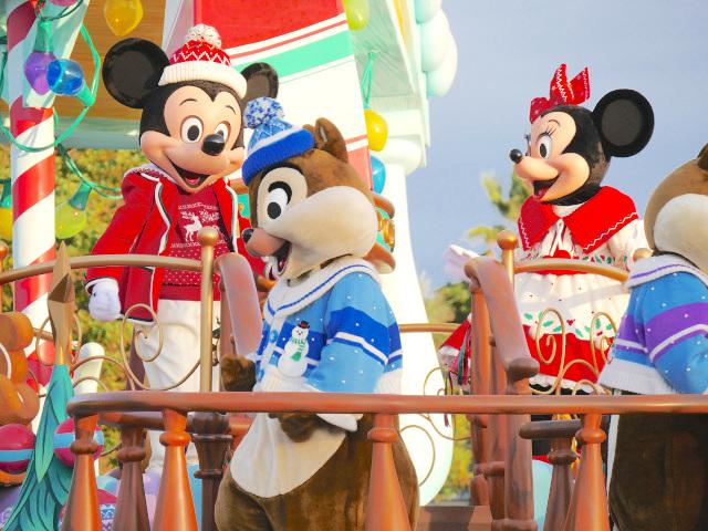粉絲去迪士尼樂園...卻發現米奇米妮整形了!「塑膠味超重」網崩潰:好像蛇精夫婦