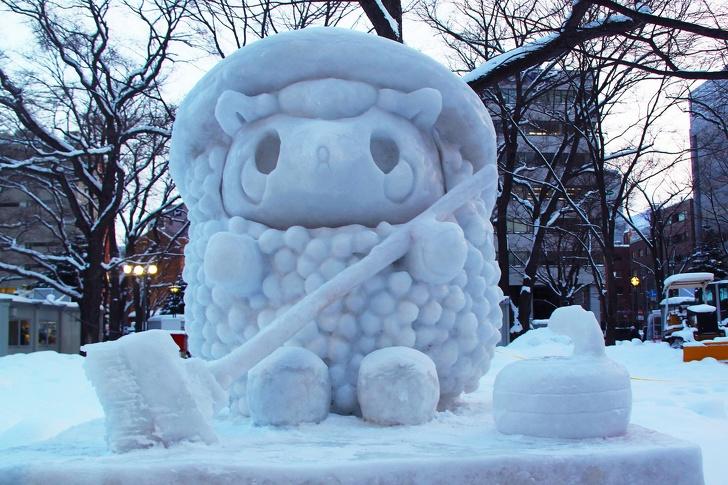 24個「艾莎夢遊時來地球創作」的超美冰雕 完美還原日本城...每個窗戶石頭都做出來了!