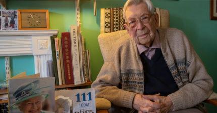 英國女王親寄卡片「讚嘆他的長壽」 111歲人瑞爺爺公布「超酷活超久秘訣」網友笑翻!