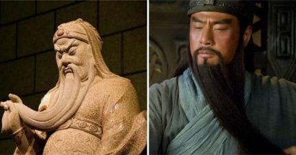 關公雕像為何總是「閉著眼睛 」?嚇人歷史說明「張開眼」世界就悲劇了