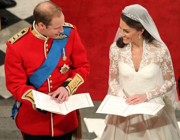 3個英國王子「都靠同樣3個字」讓新娘點頭 威廉說完這句凱特馬上「幸福笑」
