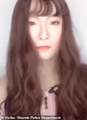 帥警察突然「戴上假髮變身超美仙女」拍抖音 網友看到最後才發現被騙慘了!