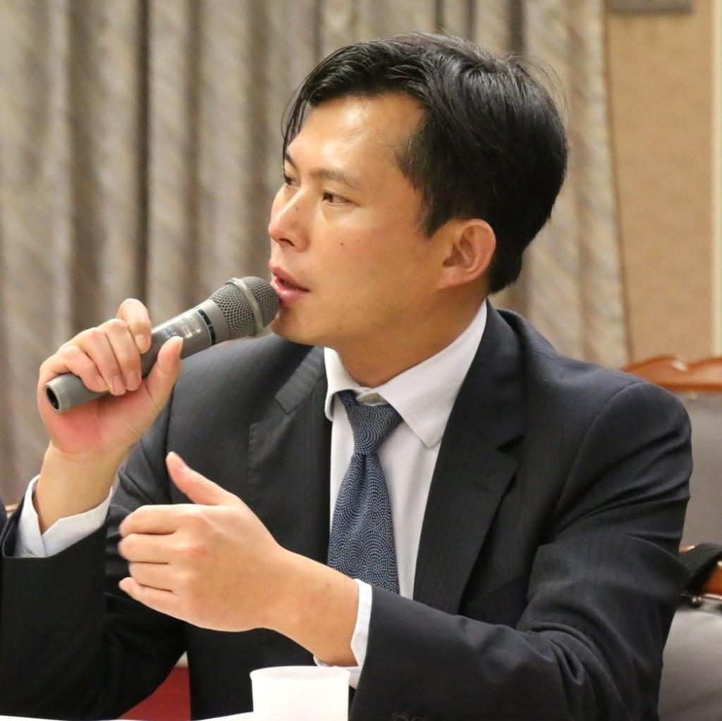 審查「喝完開車」條例立法院「只剩空氣」 黃國昌直播暴怒:怎麼會有這種國會!