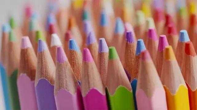 日本推超狂「500色鉛筆」包括世上萬物顏色!畫家苦等750天買入「超美上色畫面」證明等待是值得的
